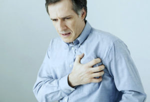 болит сердце после острой пищи фото