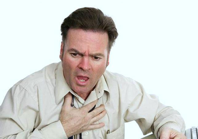 болит сердце после вдоха
