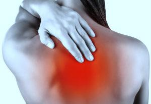 Боль в груди отдающая в левую лопатку