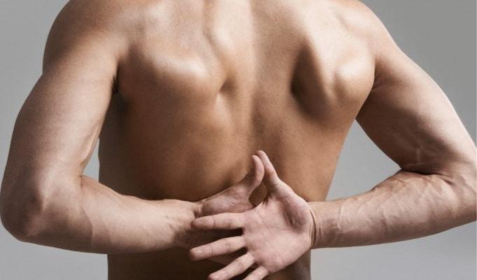 Боль в груди и под лопатками